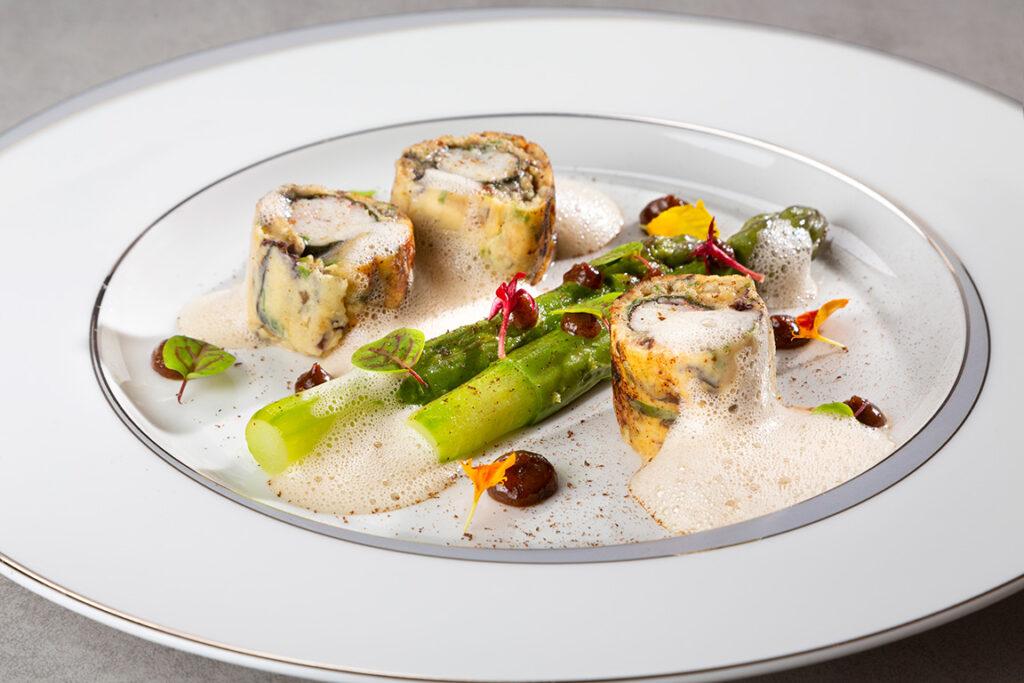 assiette langoustines et asperges vertes