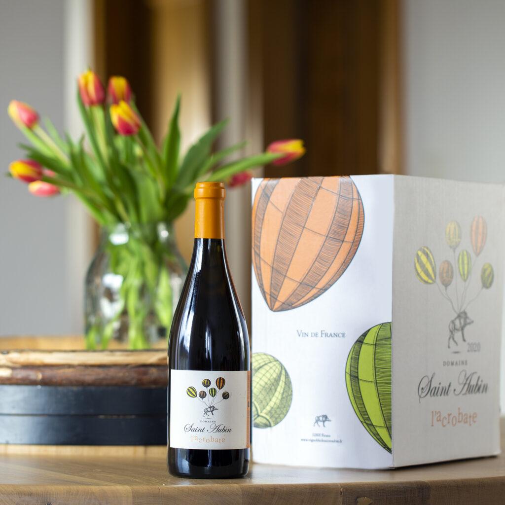 bouteille et carton vin orange
